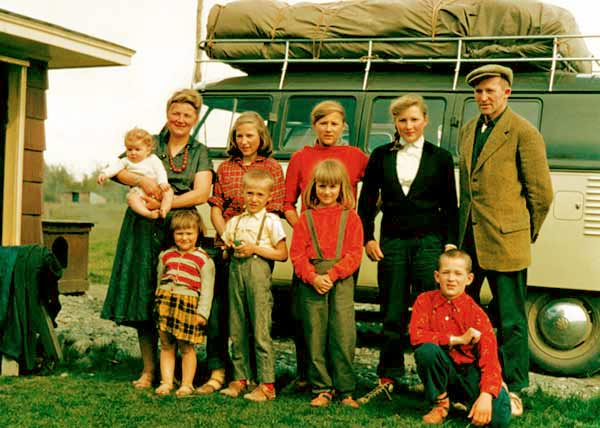 Image of Caption: Ruth with husband Yule along with their kids