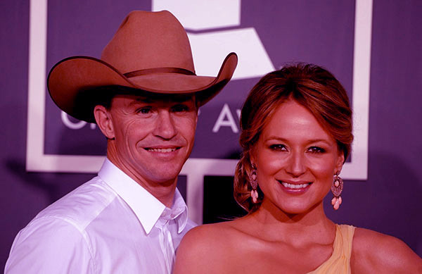 Image of Caption: Jewel Kilcher with her husband Ty Murray