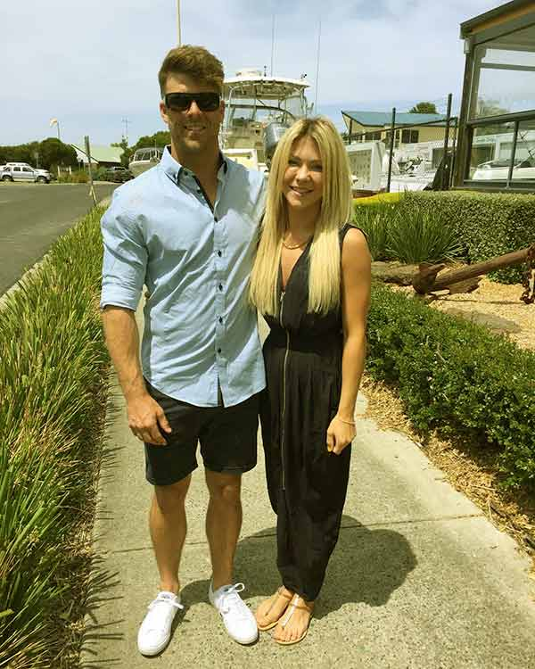 Image of Ashley Youle with her brother Jaymie