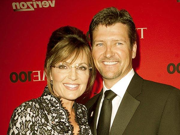 Image of Sarah Palin with her husband Todd Palin